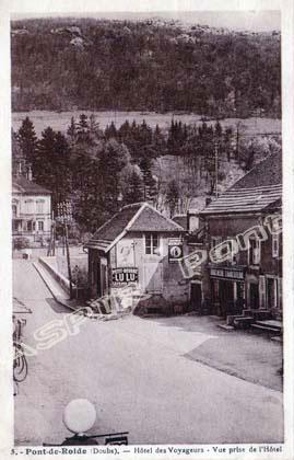 Place-centrale-vue-mairie-19