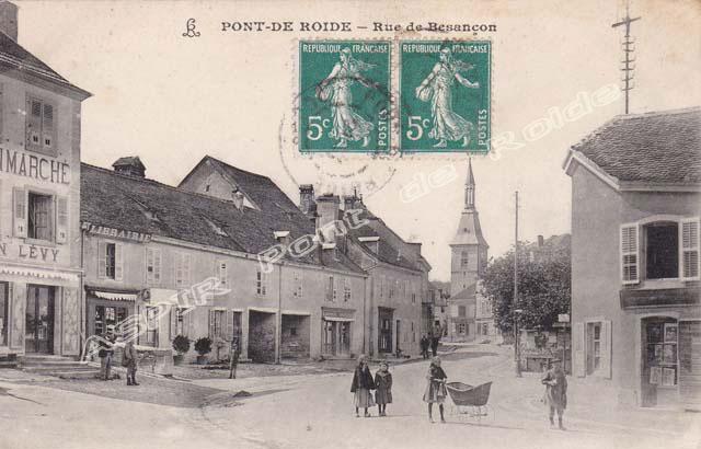 Route-Besançon-vue-depuis-place-13