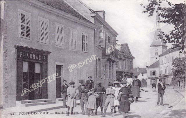 Route-Besançon-vue-depuis-place-17