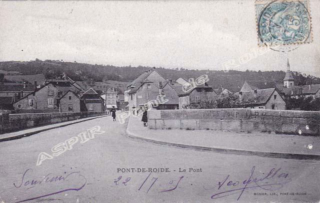 Pont-vu-de-la-mairie-01