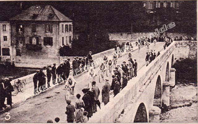 Pont-vu-de-la-ville-02-tour-de-france