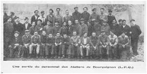XX1948,Bourguignon, une partie de l'équipe de 60 personnes