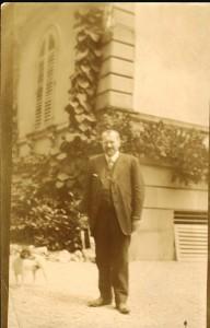 Georges Peugeot dans le parc