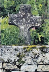 Chatey croix cimetière